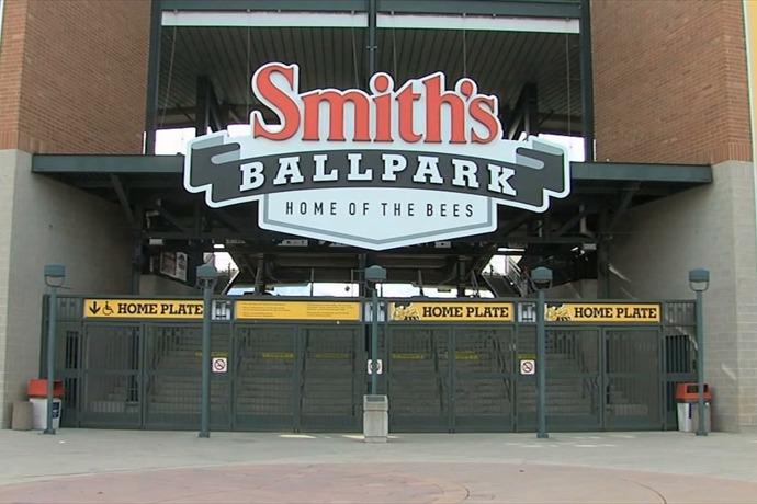 Smith's Ballpark _8753941934876868886