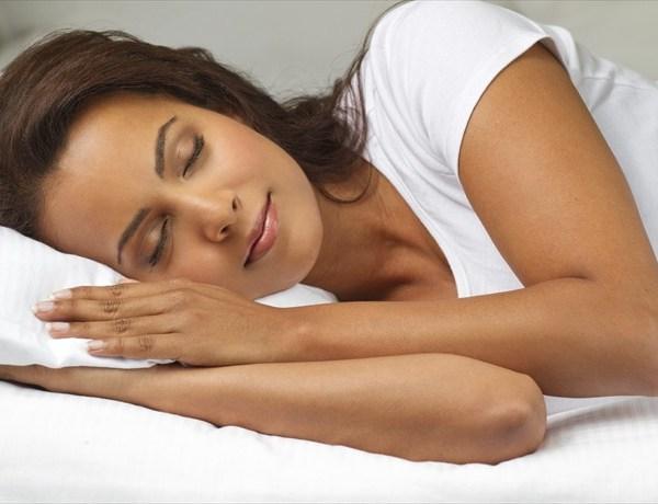 sleeping woman_4516199680467095540
