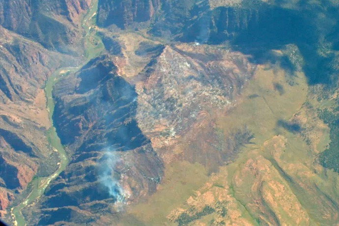 Dinosaur National Monument fire spreads _1482123791257587453