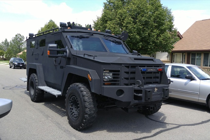 SWAT Vehicle _5713756919425484619