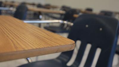 Desk--classroom--school--education-jpg_20160401163639-159532