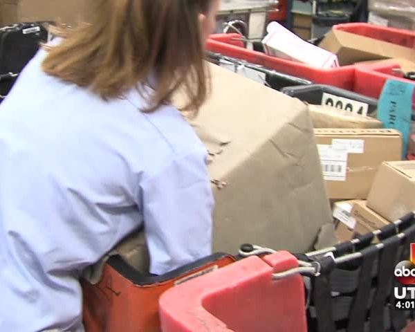 USPS handling major holiday rush to deliver packages