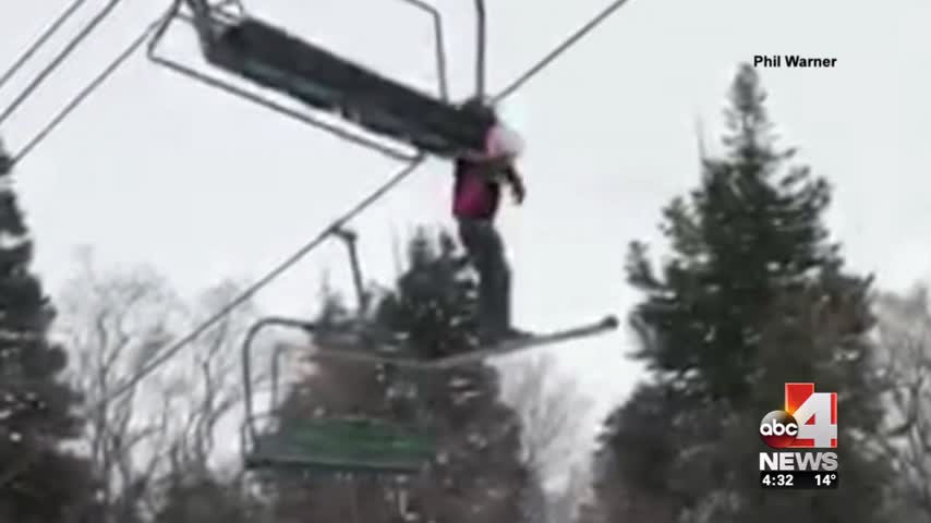 Concerns after another child dangles from ski lift_35001209