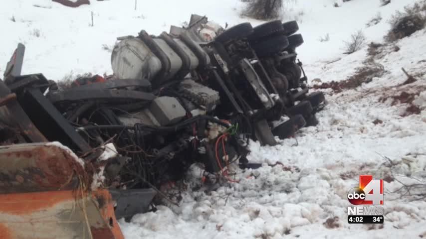 Semi Driver Cuts Off Snowplow Causes Crash_49077253