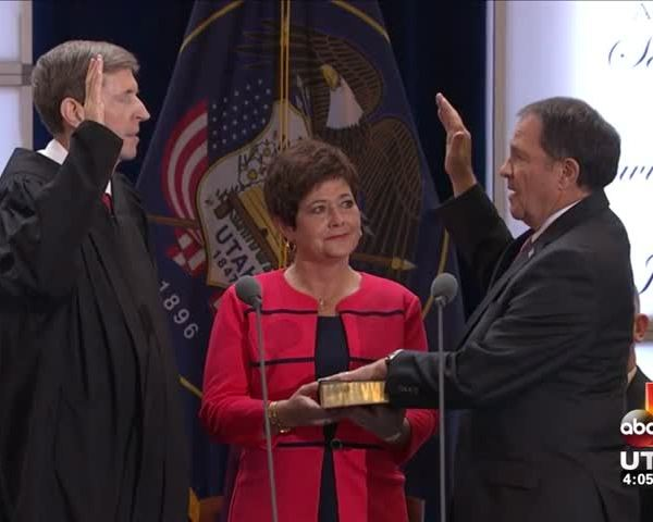 UT Governor, other officials take oath of office