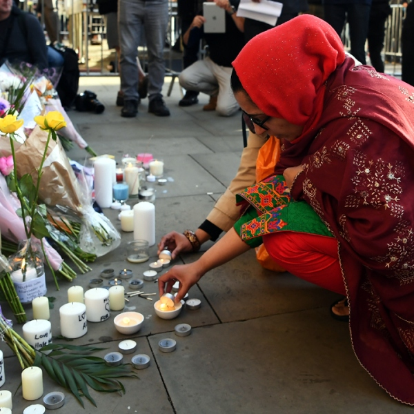 Manchester Memorial Albert Square Candle-159532.jpg90547992