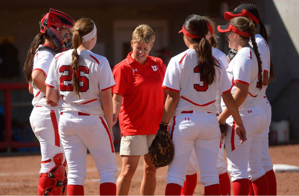 utes softball pic_1495864288622.jpg
