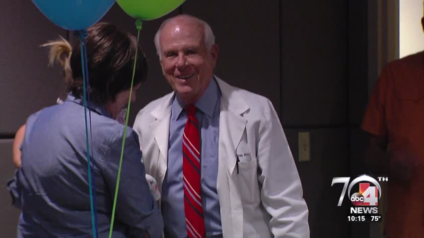 surgeon retires after 50 years_35644747
