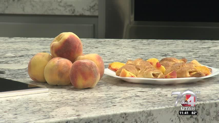 Easy Peach Turnovers_37878909