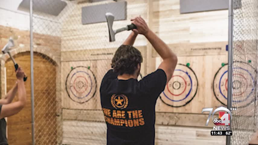 Learn how to throw axes with the best of -em_66335113