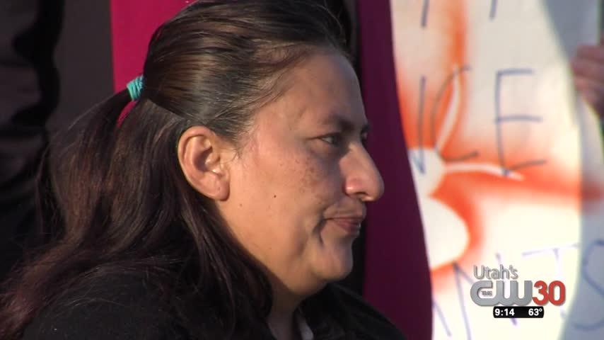 Mother Faces Deportation_39079365