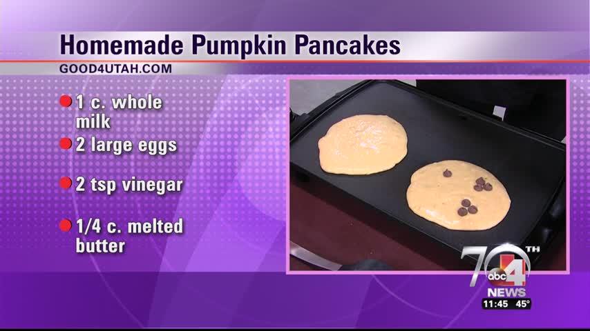 Homemade pumpkin pancakes_32946000