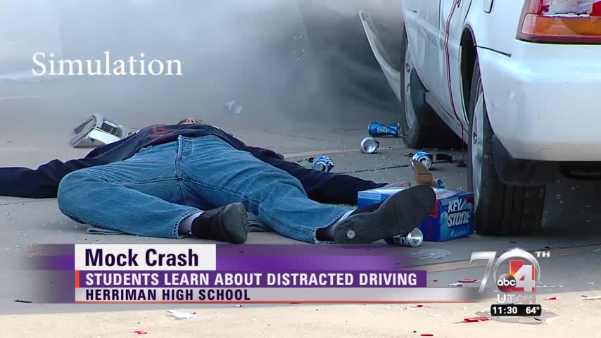 Students stage deadly crash_26562105
