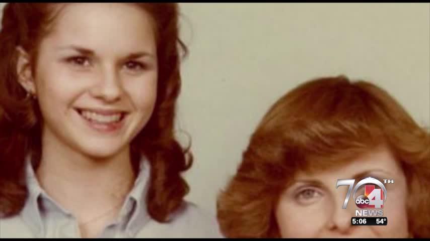 Utah woman defends Roy Moore accuser_30950580