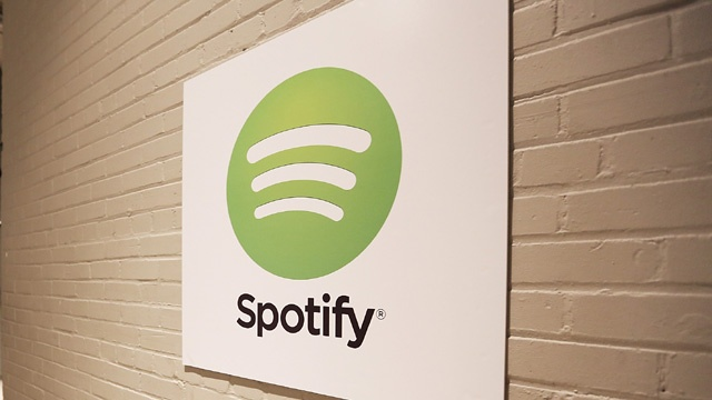 Spotify logo on wall_3472050464527216-159532