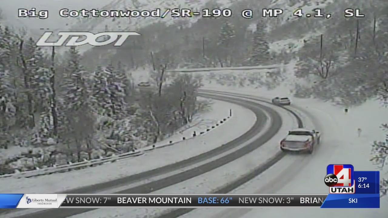 Heavy_snow_causes_major_Cottonwood_Canyo_0_20180306030419