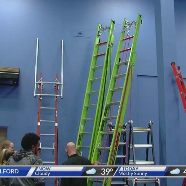 Ladder_Safety_Awareness_Month_0_20180301190142