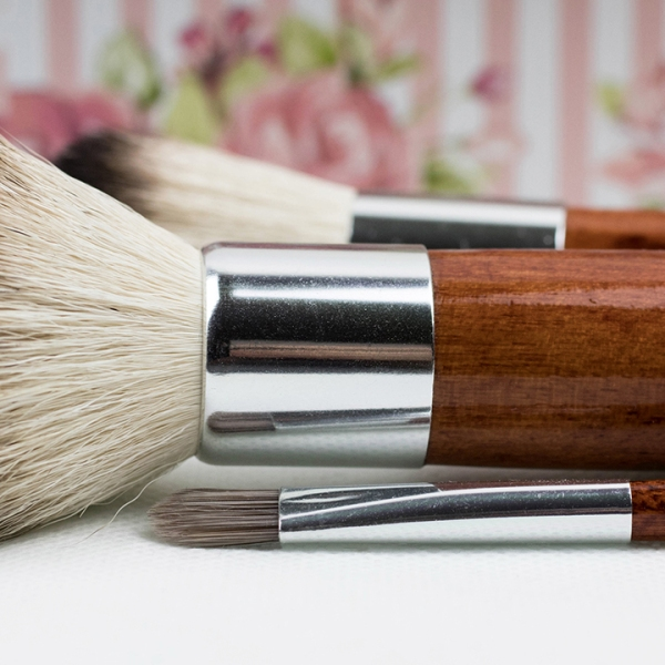 makeup-brushes-instyle-fashion_1519419073957_344876_ver1_20180224054201-159532