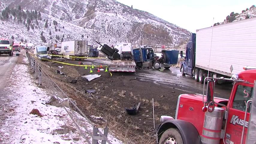 Deadly crash involving dozens of cars closes westbound I-80 near