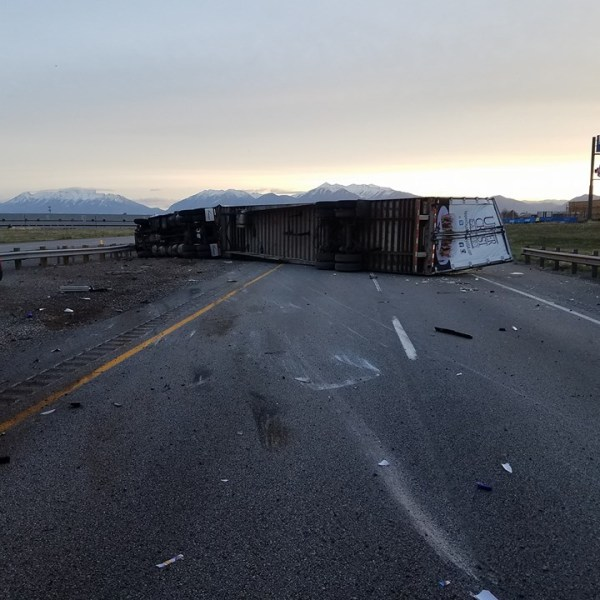 tipped semi payson