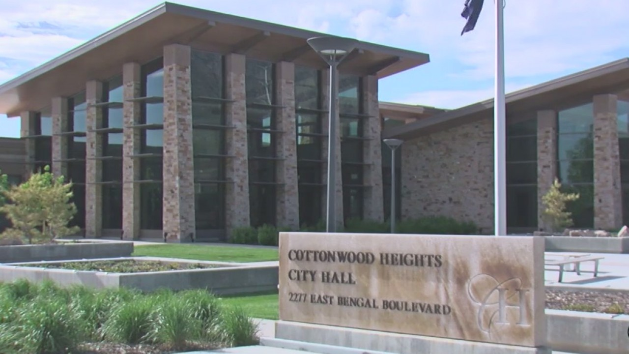 City officials, residents discuss budget issues Cottonwood Heights