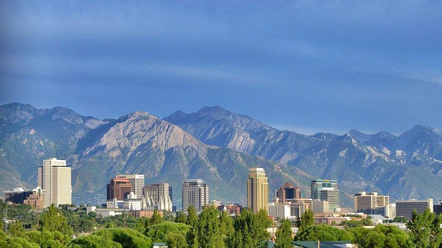 Salt Lake City, Utah skyline82865644-159532
