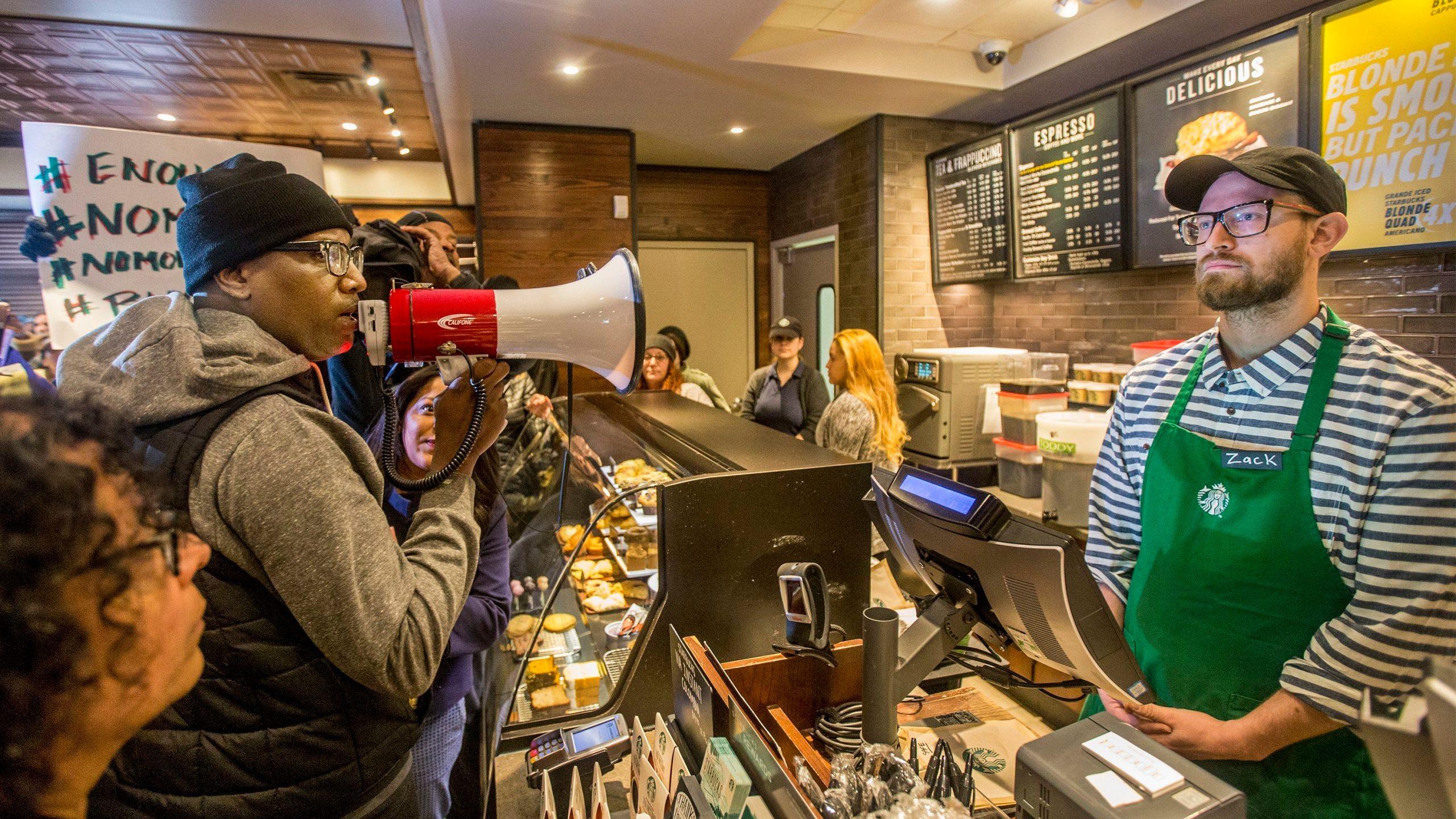 Starbucks_-_Black_Men_Arrested_93680-159532.jpg52009682