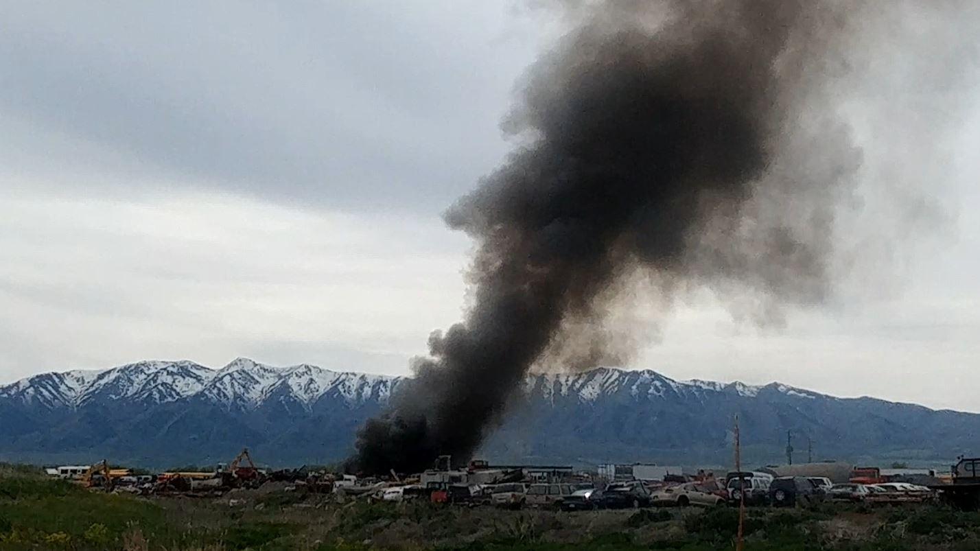 junk yard fire pic_1525613036205.JPG.jpg