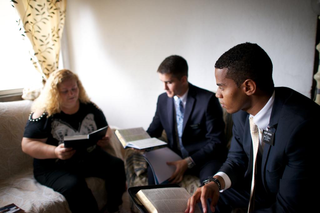 portugal-elders-missionaries-work-missionary-1418697-tablet_1527882287382.jpg