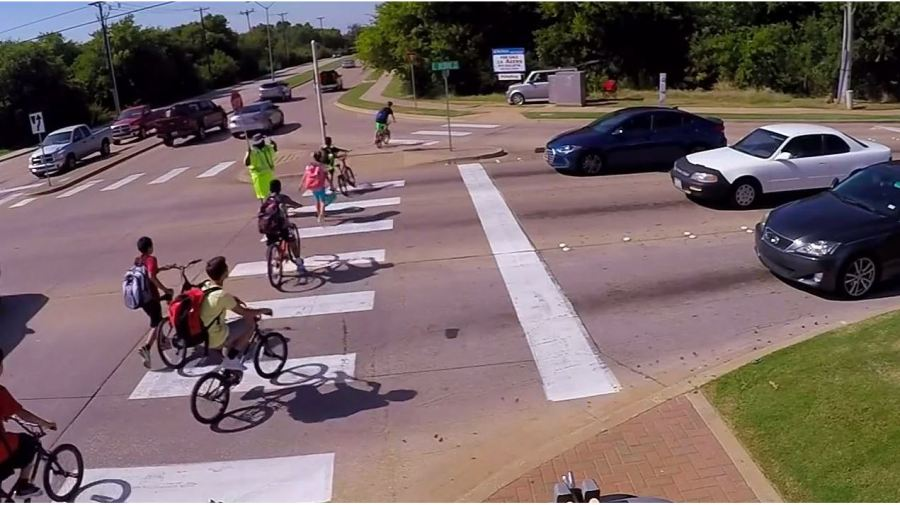 New_crosswalk_law_will_keep_kids_safer_t_0_20180814033748