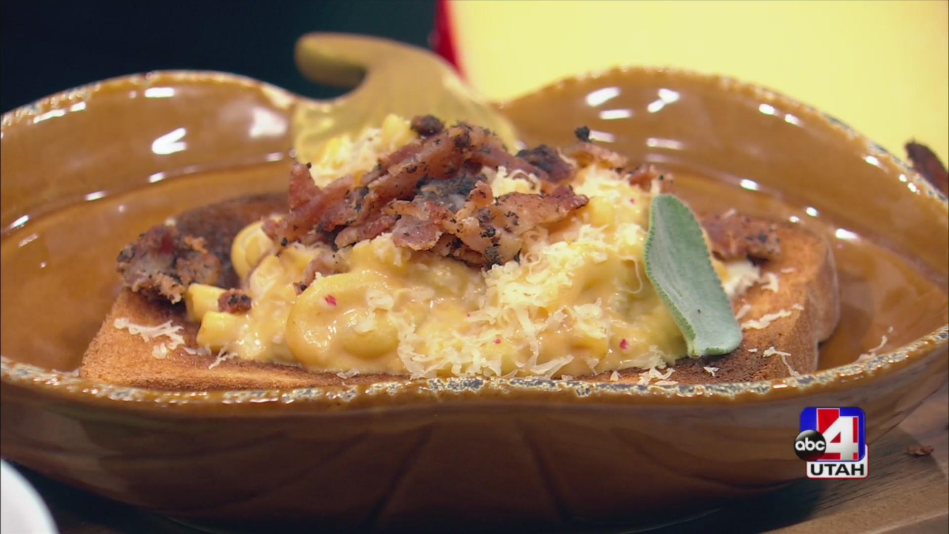 Pumpkin mac n cheese toast
