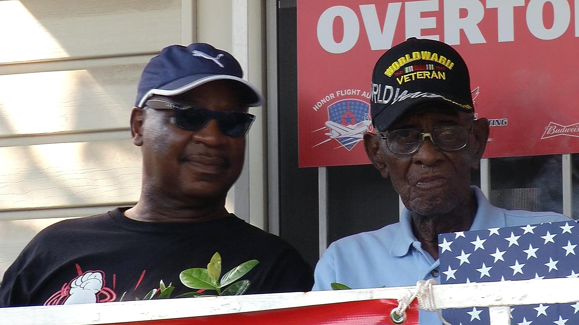 Richard Overton oldest WWII veteran-159532.jpg27183407