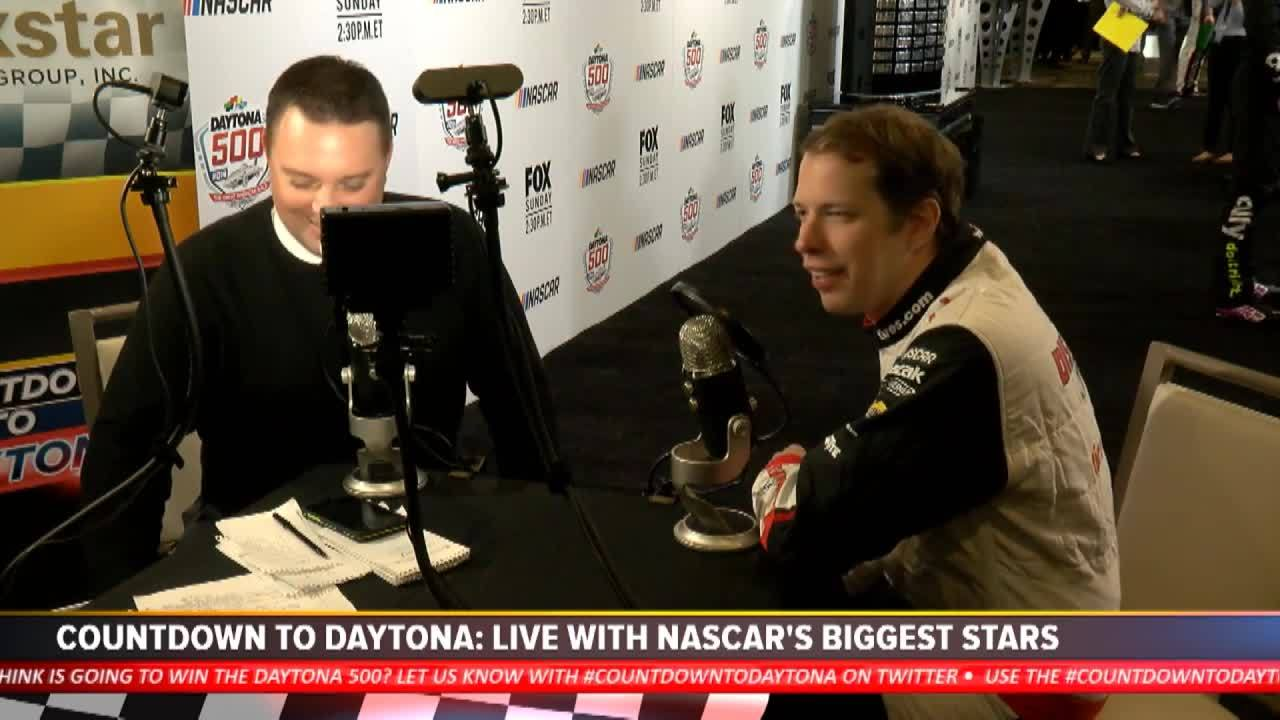 Keselowski cracks jokes, barks like dog after hijacking Daytona interview