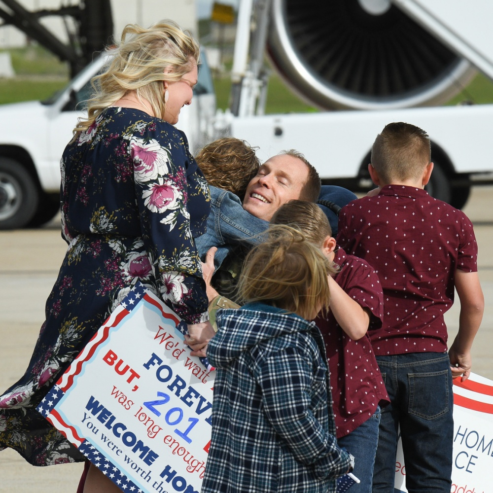Airmen Return from Middle East 1