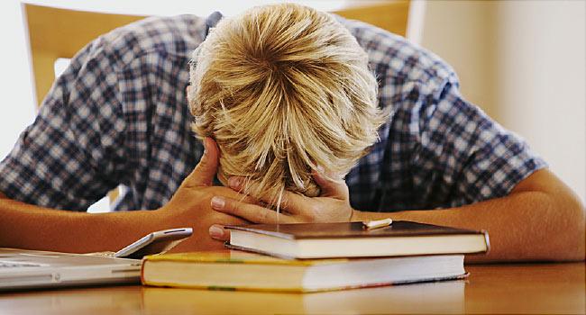 Teen Girls More Stressed Than Boys Survey _20181221063500129-159532