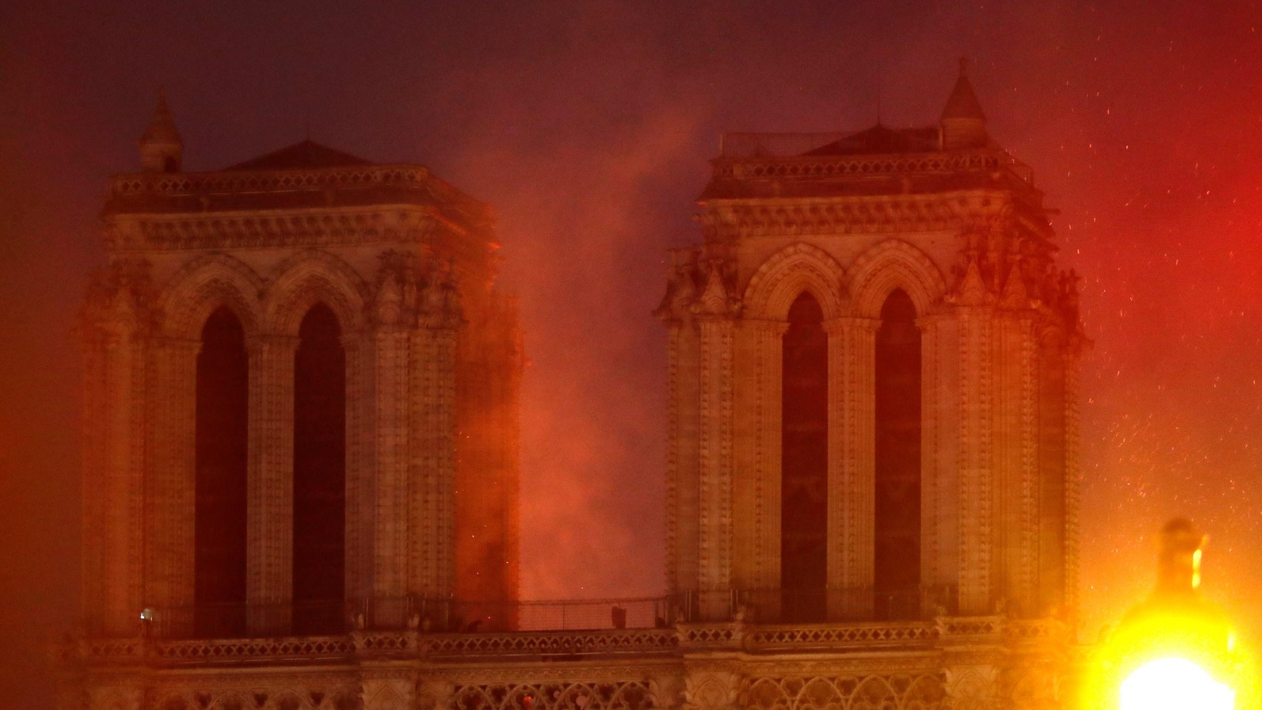 France Notre Dame Fire_1555467789003