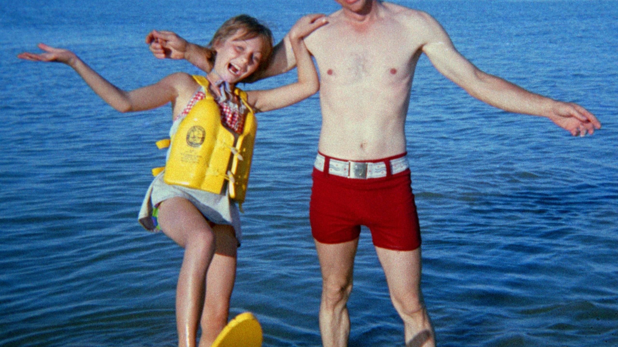JAN AND BERCHTOLD AT BEACH_1556568388917.jpg.jpg