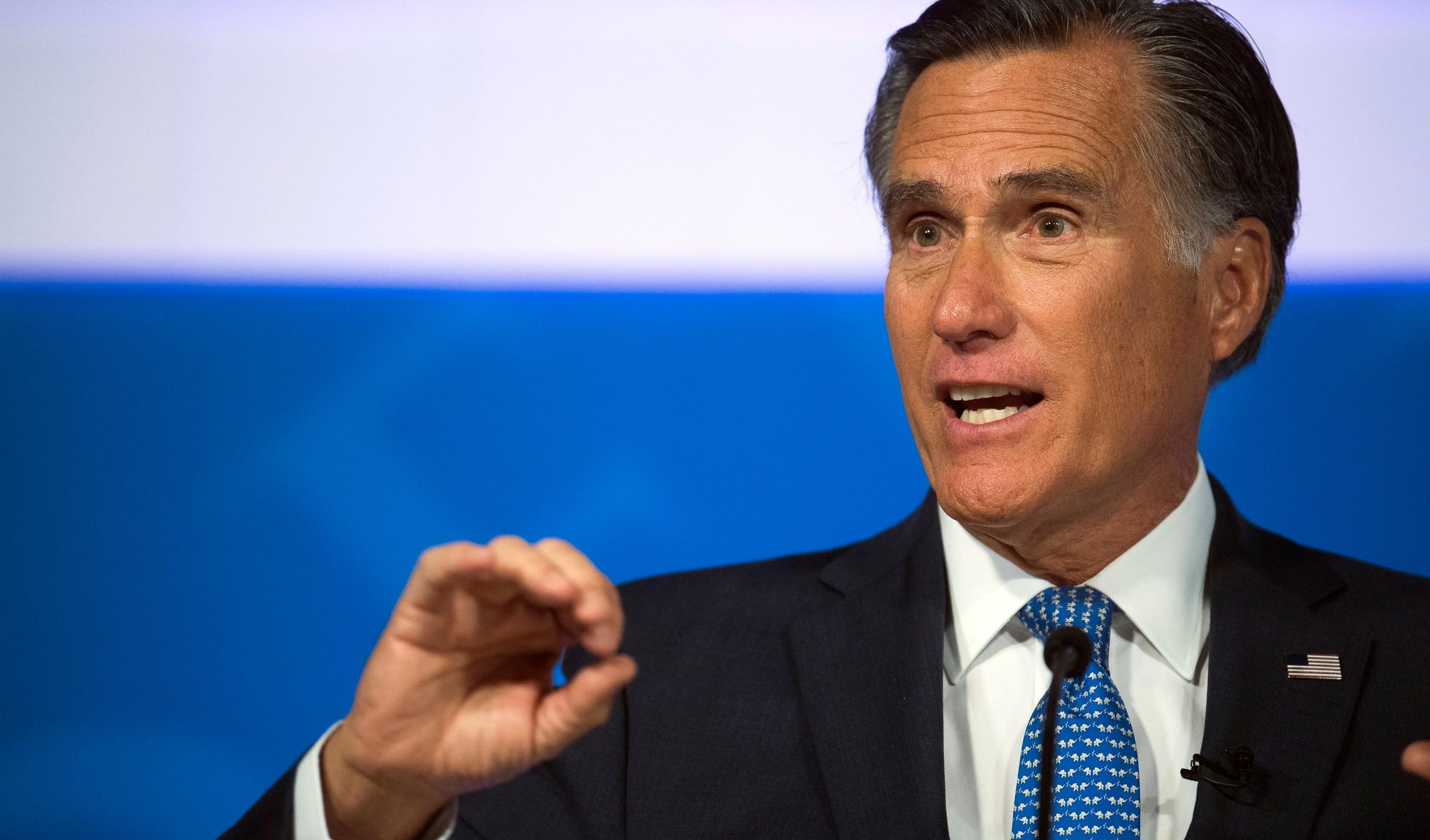 Trump-Romney_44086-159532.jpg01820062