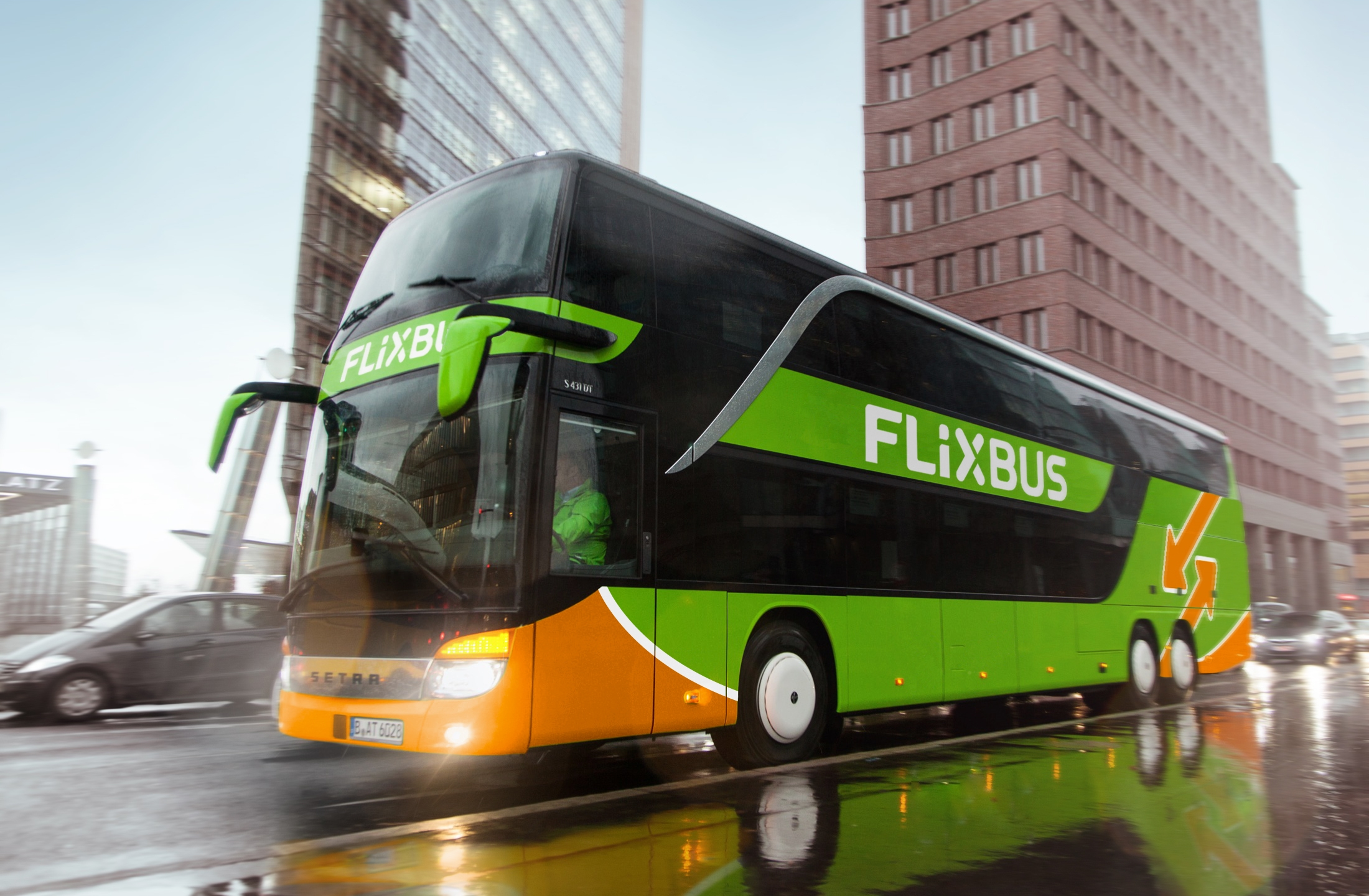 flixbus-on-the-road-free-for-editorial-purposes_1555373994039.jpg
