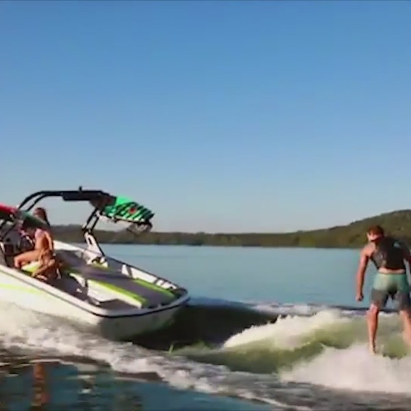 The Best Boat For Wake Surfing