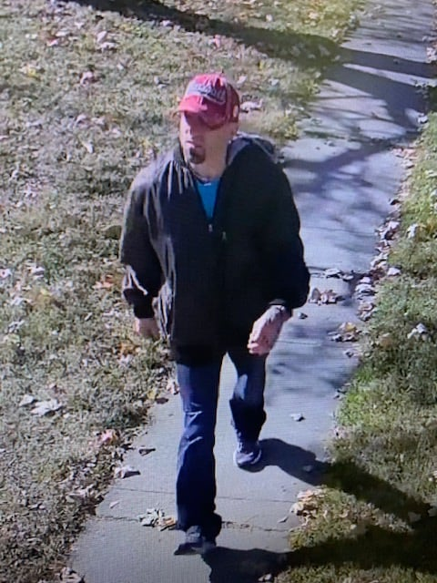 Murray police hoping to identify suspect in package theft