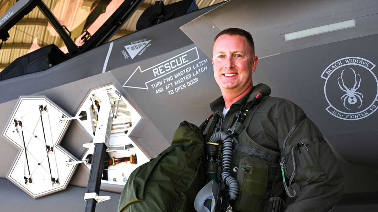 F-35 pilot: 'Hitting 1,000 hours doesn't mean I'm special. It just means I'm old,'